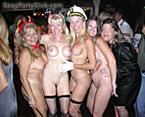 nude girl cowboy hat