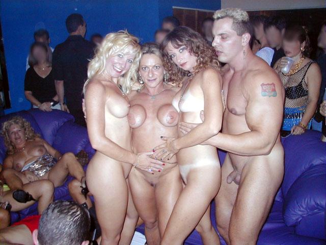 barbie s porno party